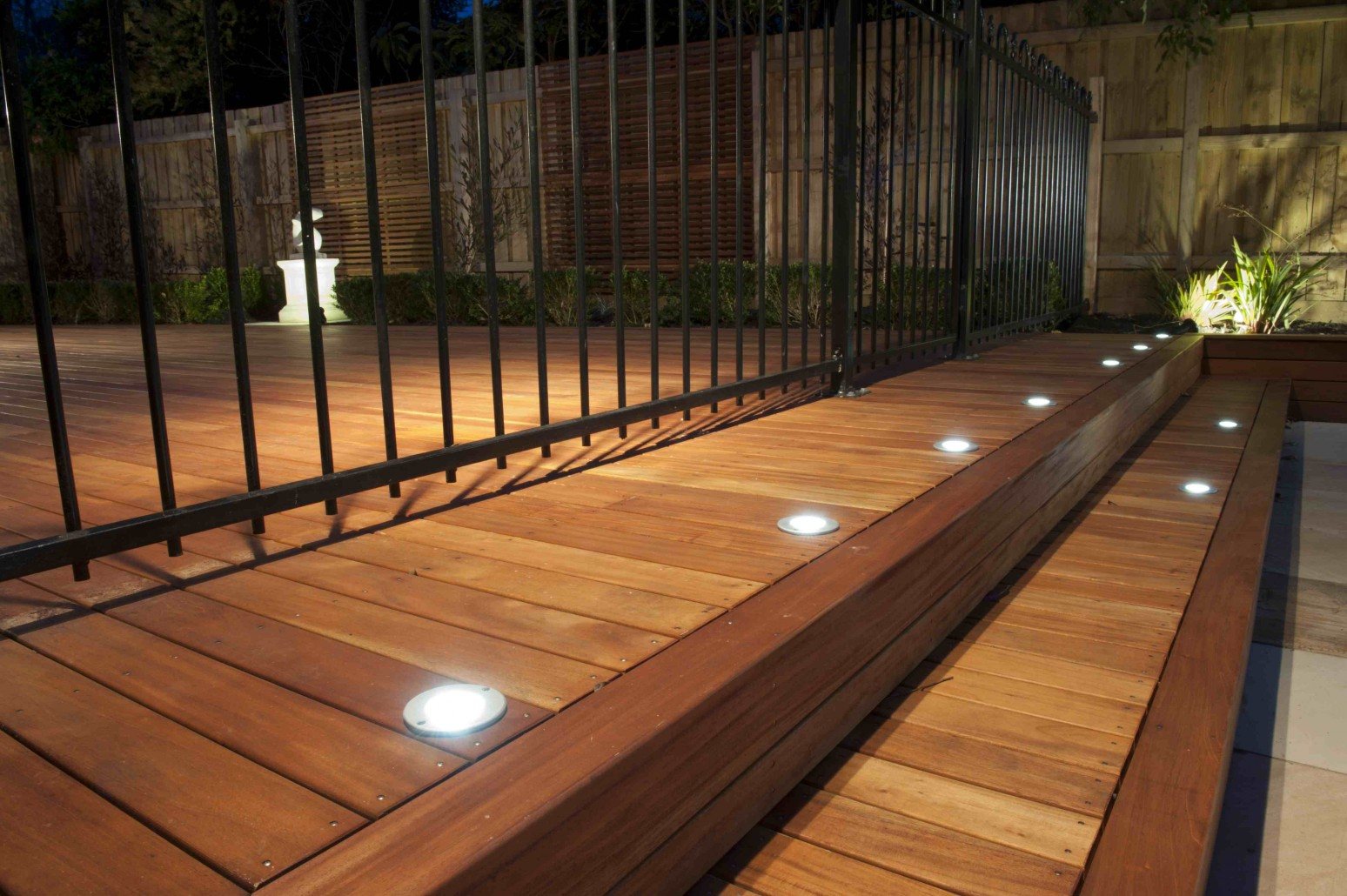 indoor-garden-lighting